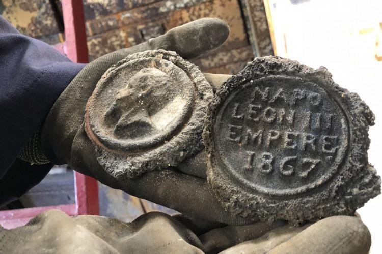 trabalho de recuperação dos acervos atingidos por um incêndio em setembro de 2018. (Foto: Museu Nacional/UFRJ)