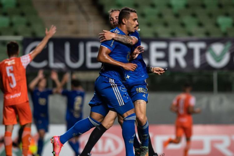 Cruzeiro entra no G4 do Campeonato Mineiro ao derrotar Coimbra (Foto: )