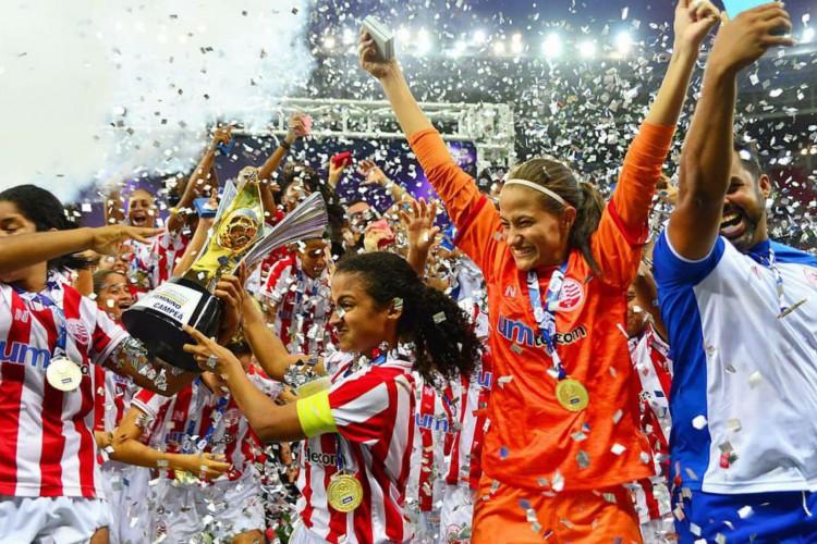No dia do aniversário, Náutico leva título do Pernambucano Feminino (Foto: )