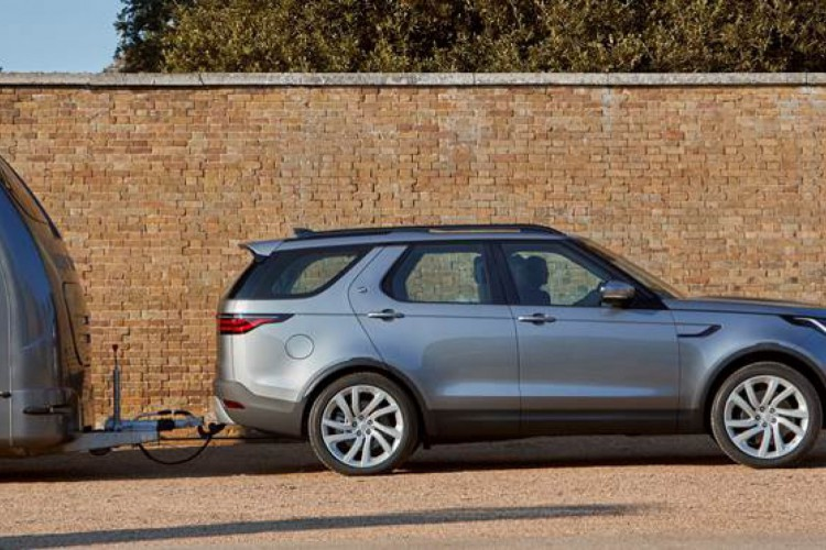 O novo Discovery estará nas concessionárias neste mês de abril (Foto: Divulgação/Land Rover)