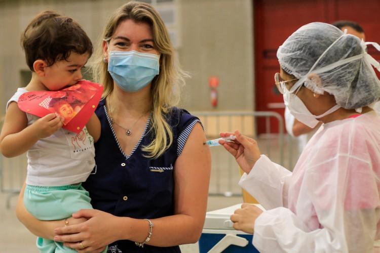 Vacinação passará a contemplar outros profissionais das unidades de saúde. (Foto: BARBARA MOIRA)