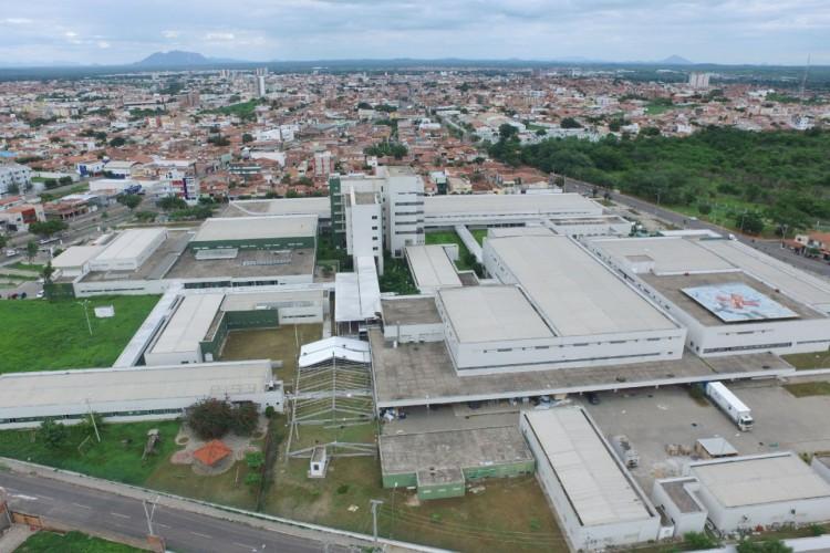 montagem do Hospital de Campanha no Hospital Regional Norte, em Sobral (Foto: Governo do Ceará)