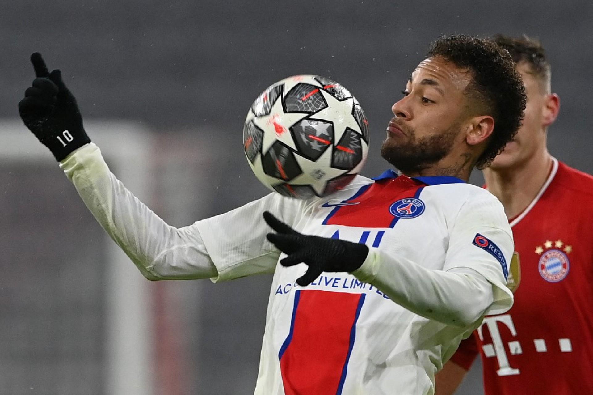 Neymar deu assistência para os dois primeiros gols do PSG contra o Bayern