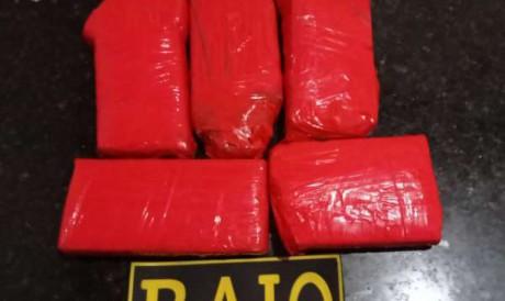 A droga foi encontrada após abordagem em Maracanaú