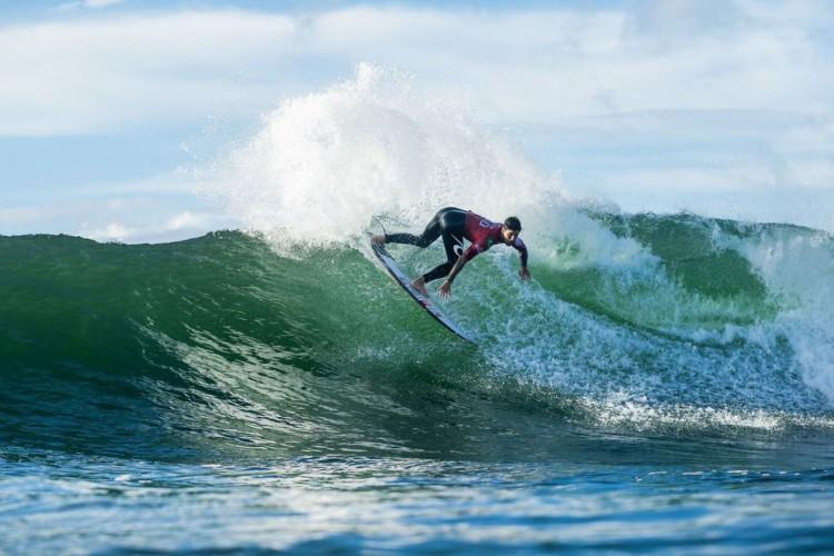 Surfe: cinco brasileiros avançam para quartas de final em Newcastle (Foto: )