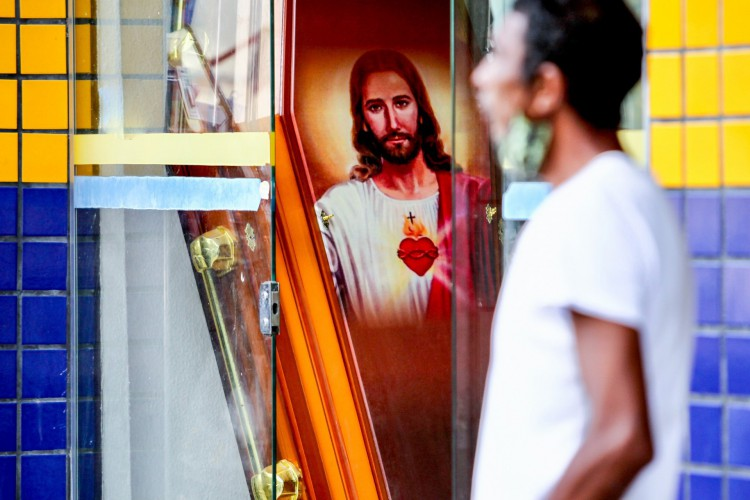 O Brasil enfrenta a segunda onda pandêmica e vem acumulando recordes de mortes há pelo menos um mês. (Foto: Fabio Lima)