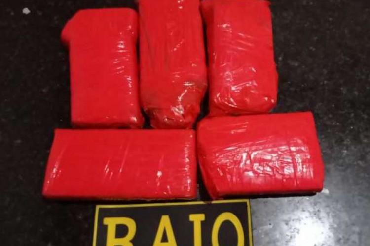A droga foi encontrada após abordagem em Maracanaú (Foto: Foto: Polícia Militar do Ceará)