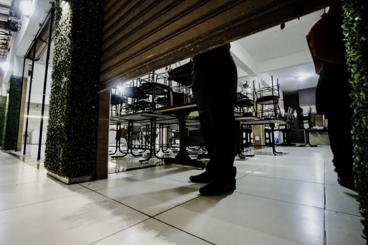 Desempregados do setor de restaurantes e bares do Ceará podem se inscrever par receber o auxílio até hoje, 8 (Foto: JÚLIO CAESAR)