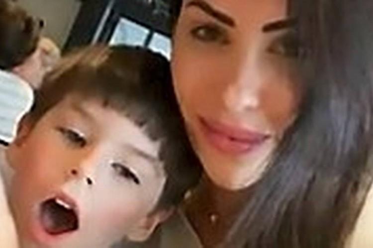 Monique Medeiros, mãe do menino Henry, foi presa por suspeita de envolvimento na morte da criança. (Foto: Reprodução)