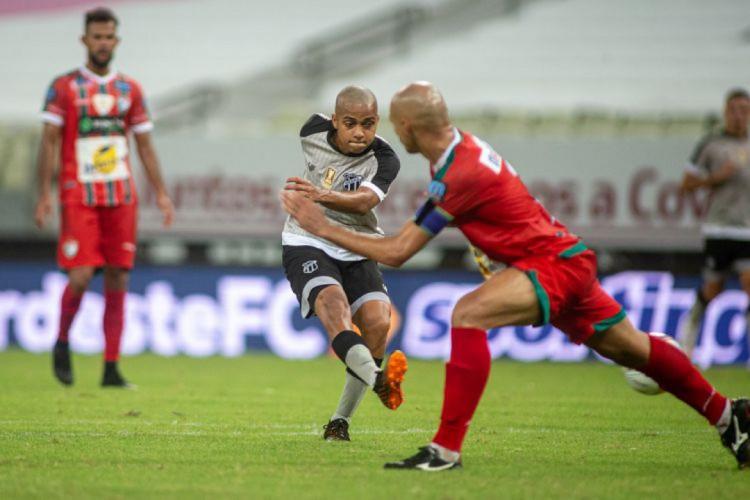 João Victor fez estreia profissional no duelo entre Ceará e Salgueiro pela oitava rodada da Copa do Nordeste  (Foto: Stephan Eilert/cearasc.com)