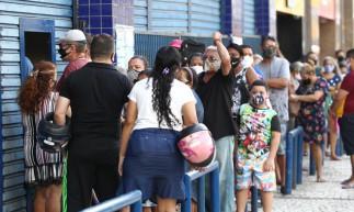 Reabertura do comércio no Centro de Fortaleza, nesta segunda-feira, 12, primeiro dia após fim do lockdown