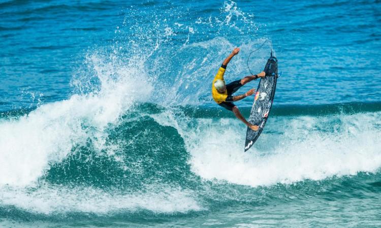 Italo Ferreira é o atual campeão mundial de surfe