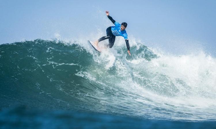 Gabriel Medina é bicampeão do Circuito Mundial de Surfe
