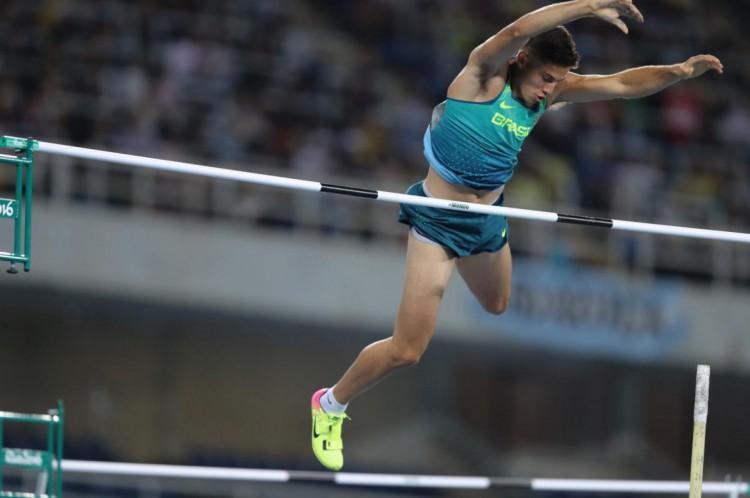 Thiago Braz foi ouro no salto com vara no Rio-2016 e sonha em repetir a façanha na Olimpíada de Tóquio