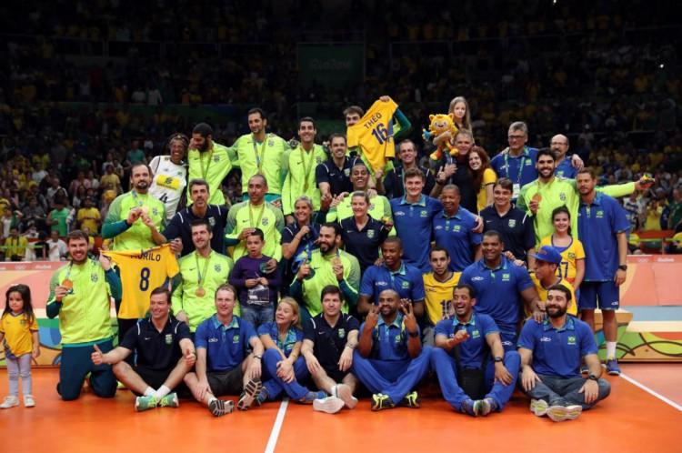 Seleção brasileira masculina de vôlei está entre as cotadas para disputar o ouro em Tóquio-2020