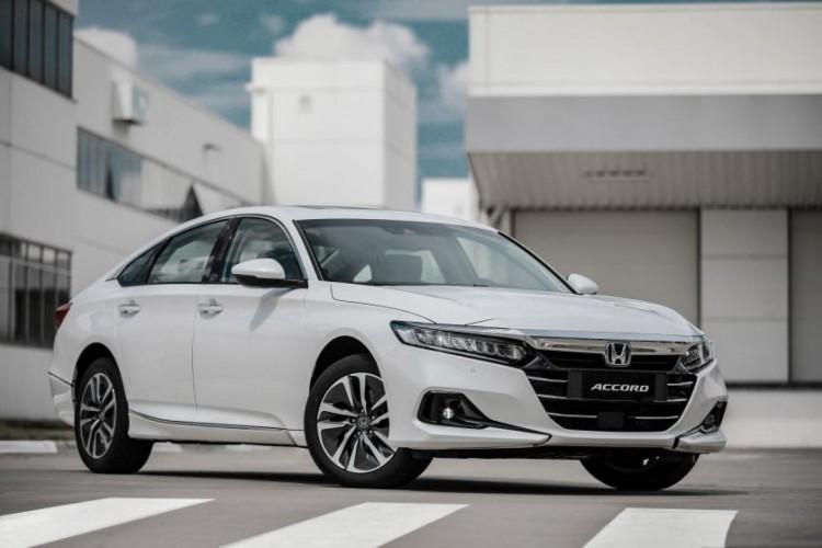 O sedã de luxo introduzirá a motorização híbrida da Honda no Brasil (Foto: Divulgação/Honda)