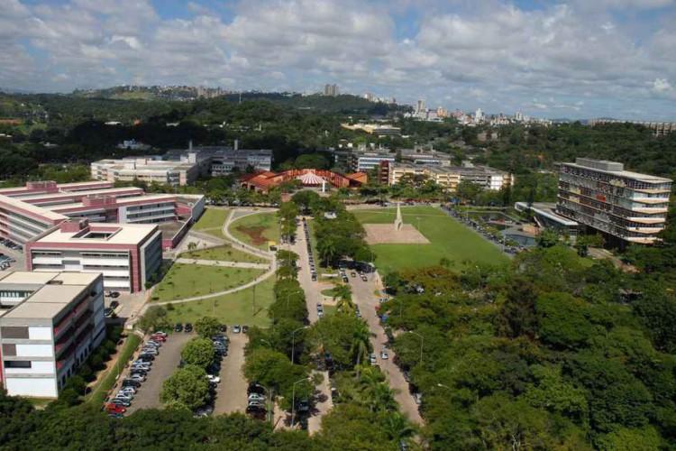 Medicina, Engenharia Aeroespacial e Direito são as graduações com as notas de corte mais elevadas da UFMG no Sisu até hoje, terça-feira, 13 de abril (13/04); maioria dos cursos mais concorridos é na capital (Foto: Foca Lisboa/UFMG)