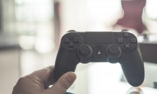Estudo mostra que homens jovens preferem jogar videogame a sexo casual.