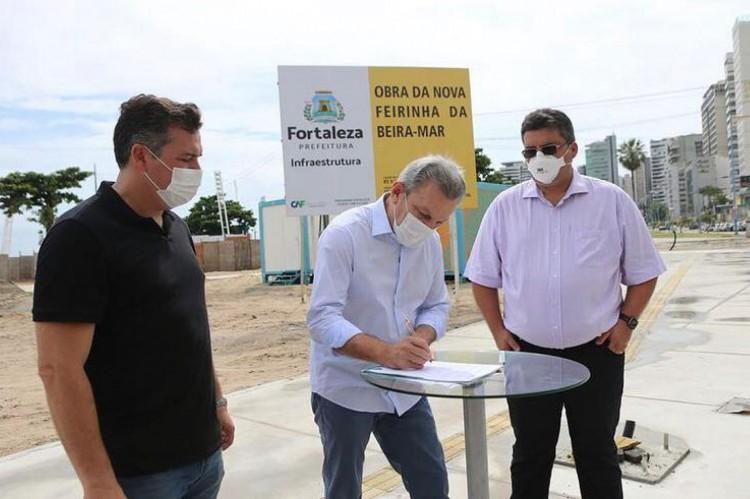 Prefeito assina ordem de serviço a Feira de Artesanato da avenida Beira-Mar