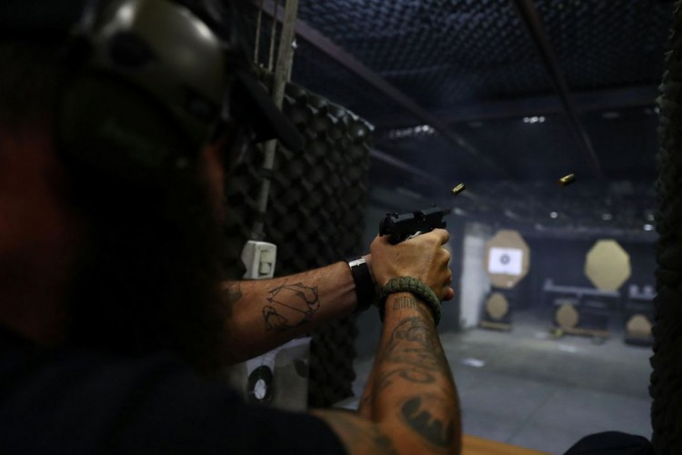 Entra em vigor parte dos decretos que ampliam acesso a armas de fogo (Foto: )