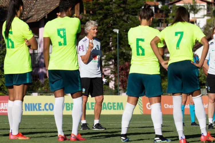 Sem jogar, Pia valoriza treinos, mas vê próxima data Fifa como crucial (Foto: )