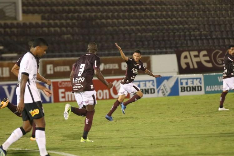 Paulista: Ferroviária supera Corinthians de virada por 2 a 1 (Foto: TIAGO PAVINI)