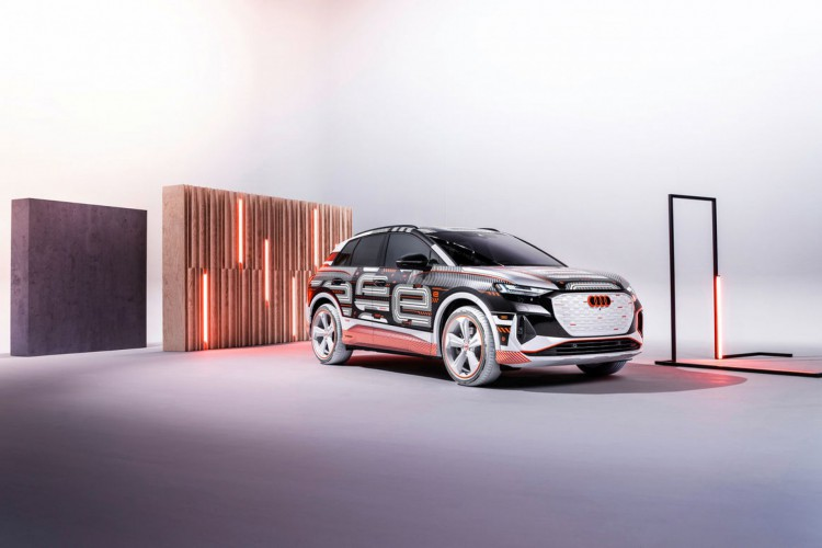 O modelo estabelece novos padrões de interior e controles (Foto: Divulgação/Audi)