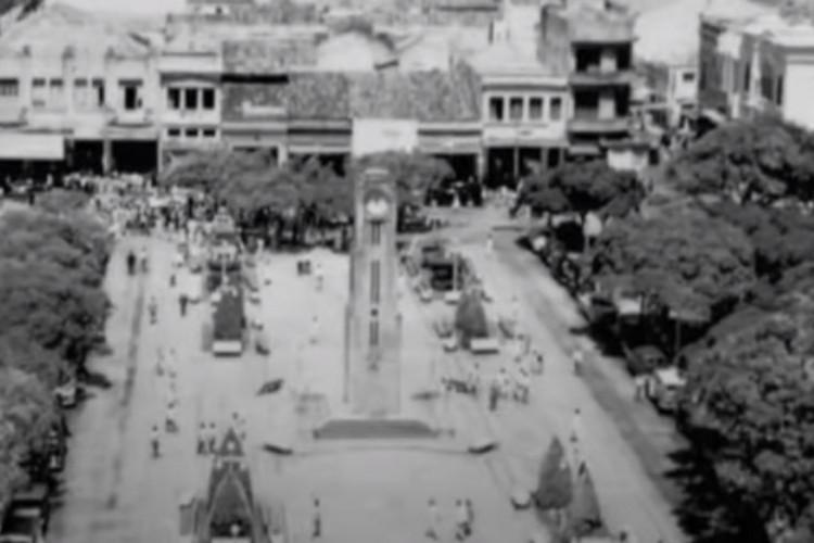 Canal do YouTube mostra como era a Praça do Ferreira, no Centro de Fortaleza (Foto: Reprodução/ YouTube História de Fortaleza do Ceará)
