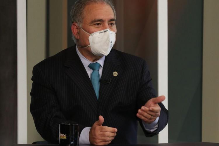 O ministro da Saúde, Marcelo Queiroga, participa do programa Sem Censura,  na TV Brasil (Foto: Marcello Casal JrAgência Brasil)