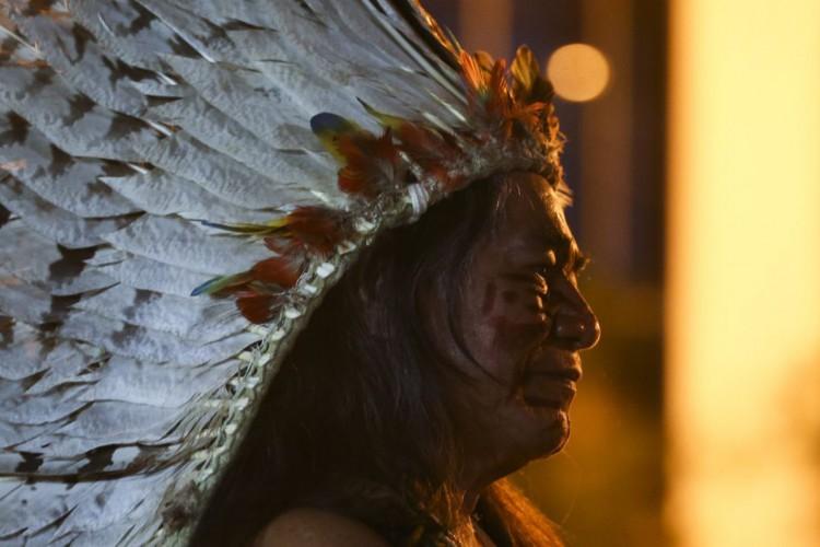 Ritual indígena Toré, que une dança, religião e luta, durante abertura da exposição  (Foto: Valter Campanato/Agência Brasil)