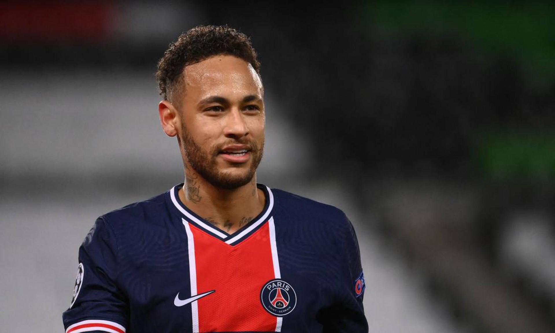 Neymar acertou três bolas na trave na derrota do PSG para o Bayern por 1 a 0 na volta das quartas de final da Champions. A equipe francesa avançou às semifinais no critério do gol fora de casa