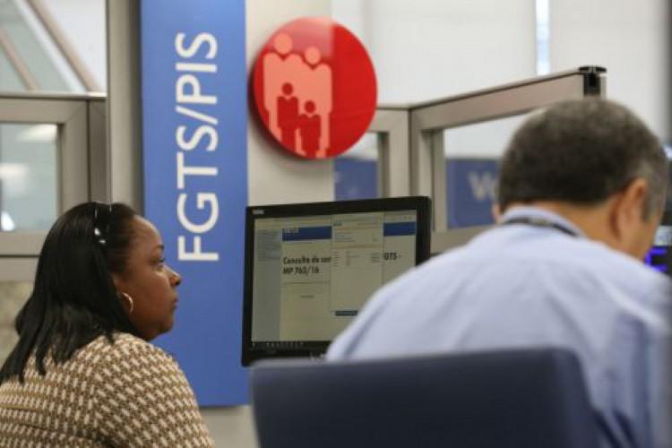 Consulta do saldo e extrato do FGTS pode ser feita no aplicativo próprio do Fundo de Garantia ou pelo site da Caixa (Foto: Divulgação/CEF)