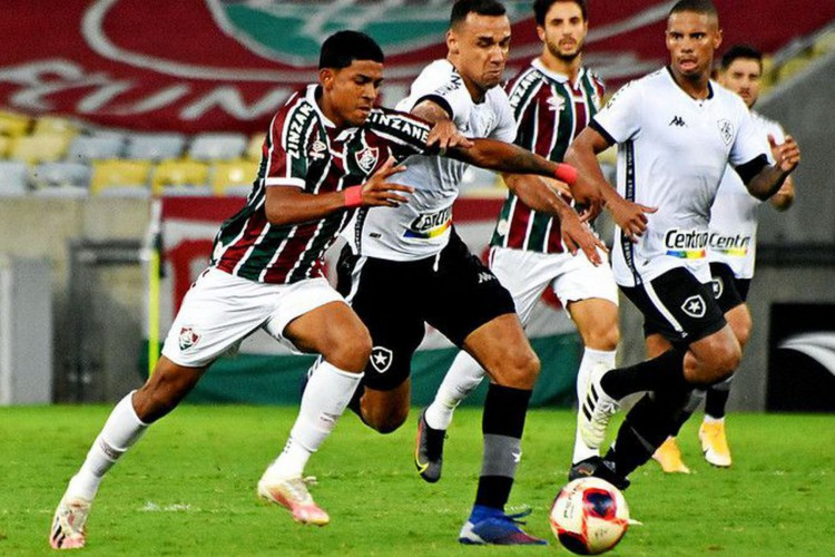 Fluminense vence Botafogo e se garante na semifinal  do Carioca (Foto: )