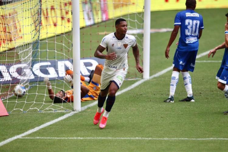 David comemora gol marcado pelo Fortaleza diante do CSA no Castelão. Partida válida pela Copa do Nordeste 2021.  (Foto: Fábio Lima/ O POVO)