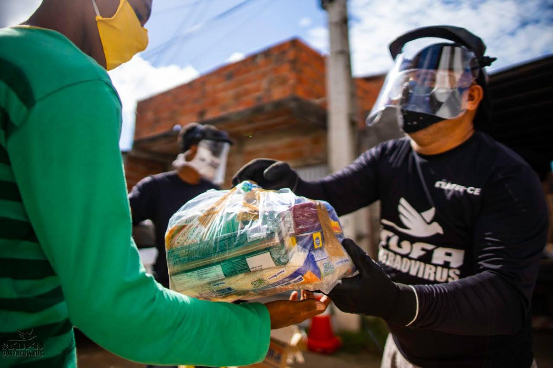 As cestas são feitas majoritariamente com alimentos produzidos por agricultores do MST e financiadas pelo Greenpeace Brasil