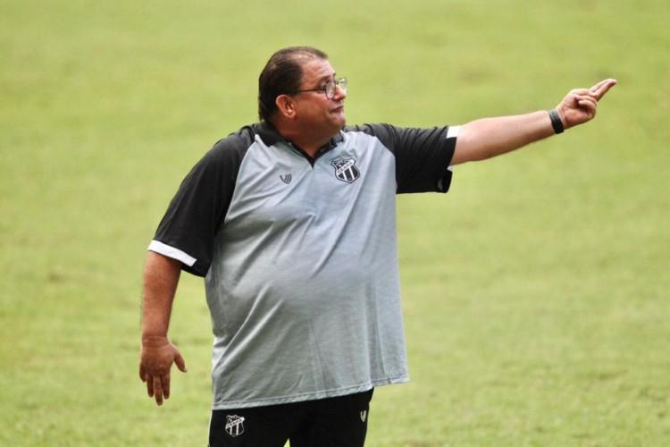 Técnico Guto Ferreira. Ceará enfrentou o Sampaio Corrêa no Castelão em jogo válido pela Copa do Nordeste 2021.  (Foto: Fábio Lima/O POVO)