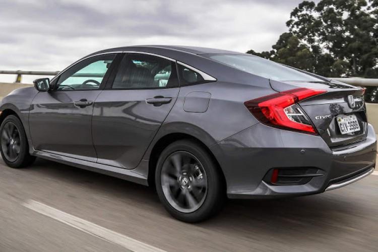 Com os problemas na bomba de combustível, o motor dos veículos pode ser desligado com o carro em movimento (Foto: Divulgação/Honda)