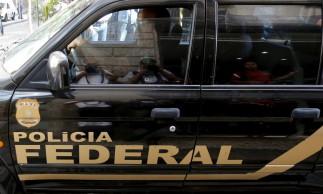 Carro da PF durante operação no Rio de Janeiro.28/07/2015.REUTERS/Sergio Moraes