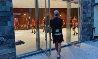 Os jogadores do São Paulo realizaram treinamento dentro do hotel em Lima, no Peru, pois não tiveram liberação das autoridades da Federação Peruana de Futebol para realizar atividades no CT da seleção peruana