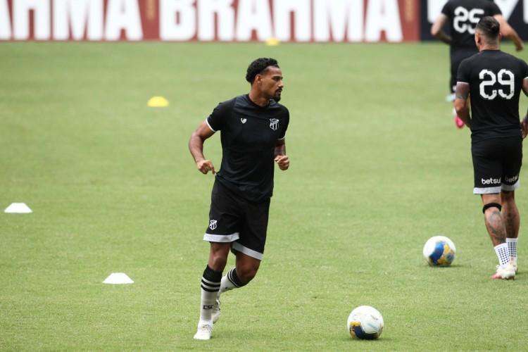 Gabriel Dias está liberado para jogar pelo Ceará novamente  (Foto: FABIO LIMA)