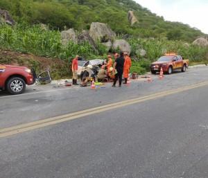 Acidente na BR-222 entre um carro e um caminhão deixou apenas criança e caminhoneiro com vida