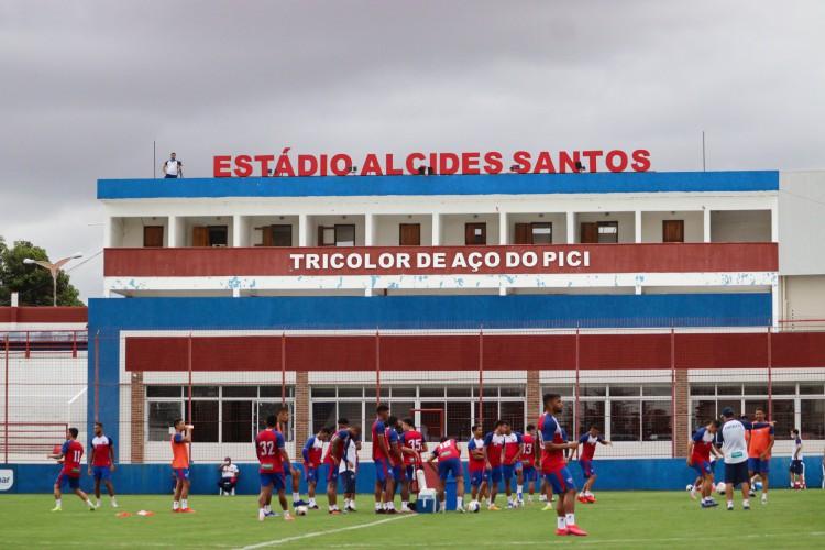Jogadores em treino do Fortaleza no Centro de Excelência Alcides Santos, no Pici (Foto: Leonardo Moreira/Fortaleza EC)