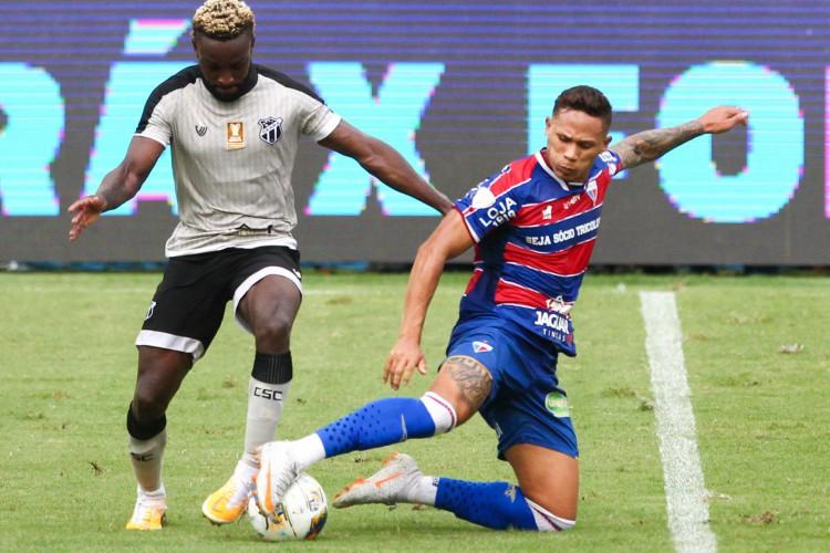 Ceará e Fortaleza são os clubes que mais cometeram pênaltis na Série A (Foto: FABIO LIMA)
