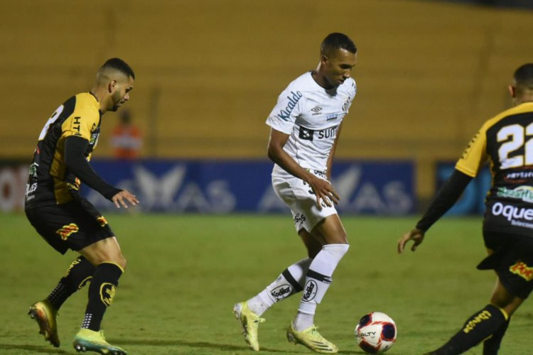 Com equipe alternativa, Santos perde para Novorizontino (Foto: )
