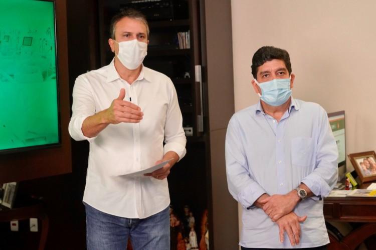 CAMILO SANTANA e Cabeto participaram de live e alertaram para a necessidade de manter isolamento social (Foto: Carlos Gibaja/Ascom Casa Civil )