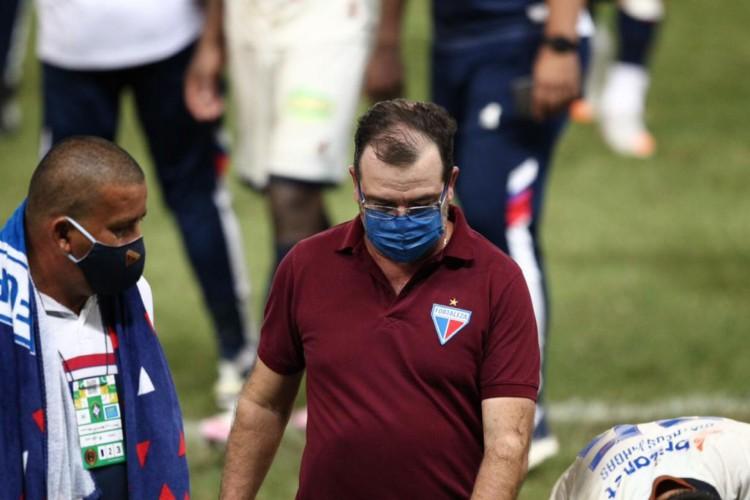 Técnico Enderson Moreira em partida do Fortaleza diante do Bahia no Castelão em jogo válido pela Copa do Nordeste 2021.  (Foto: Fábio Lima/ O POVO)