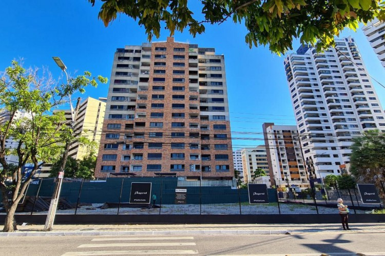 Localização do prédio de luxo da Diagonal, na avenida Abolição (Foto: Fco Fontenele)