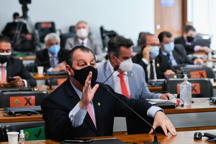 A decisão aconteceu durante reunião na residência do presidente da CPI, Omar Aziz (Foto: Edilson Rodrigues/Agência Senado)