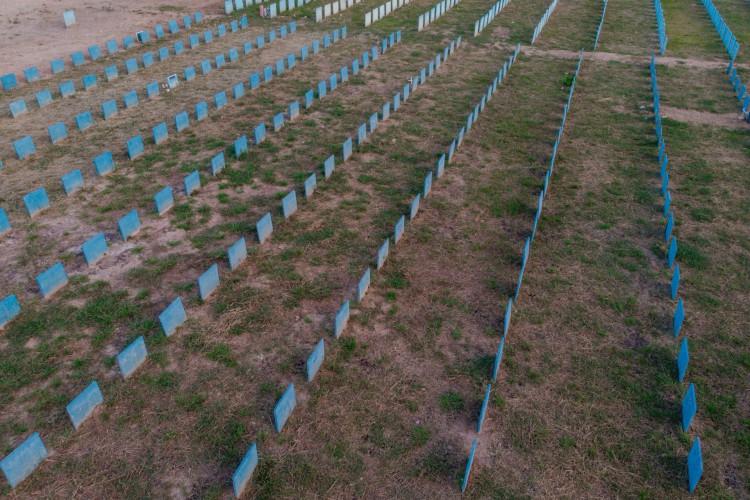 O Brasil ultrapassou a marca das 500 mil mortes por Covid (Foto: JÚLIO CAESAR)