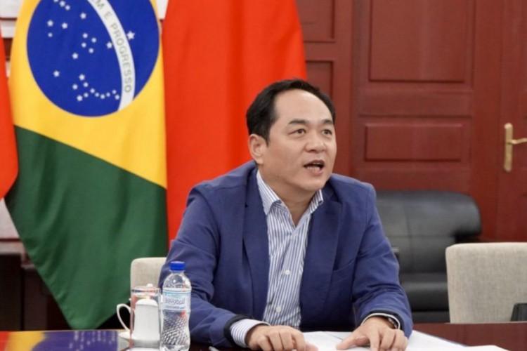 O embaixador da China no Brasil, Yang Wanming, ressalta que relação com Itamaraty melhorou após saída de Ernesto Araújo  (Foto: REPRODUÇÃO/TWITTER )